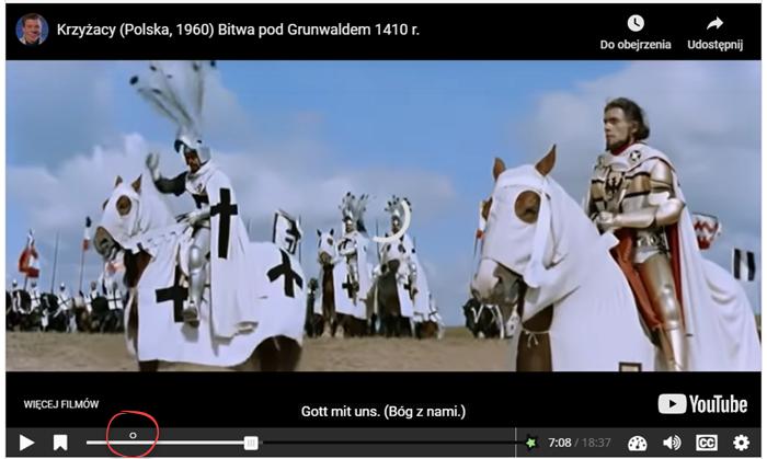 kadr z filmu Krzyżacy przedstawiający kilku mężczyzn ubranych w długie płaszcze, którzy siedzą na koniach